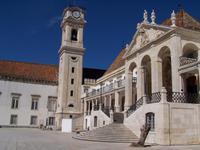 auf dem Universitätsplatz in Coimbra
