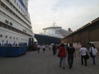 145 im Hafen von Abu Dhabi