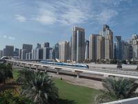 Dubai Marina mit ÖPNV