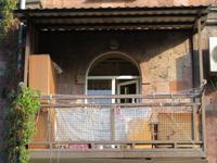 Jeravan: typischer Balkon des Nachbars