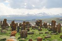 Mittealterlicher Friedhof in Noratus