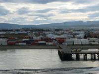 Einlaufen in den Hafen von Punta Arena