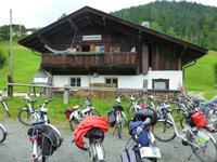 E-Bikes vorm Achenstueberl