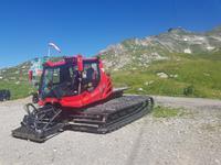 Schneeräumfahrzeug am Nebelhorn