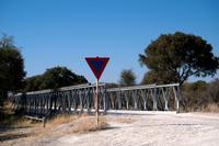 Stahlbrücke über den Khwai Fluss