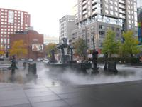 Montreal - dampfender und brennender Springbrunnen