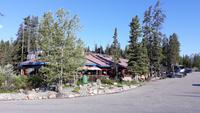 Sunwapta Falls Lodge
