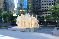 Denkmal The Illuminated Crowd in Montreal
