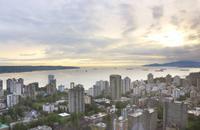 Abendessen im Cloud 9 Restaurant über den Dächern von Vancouver