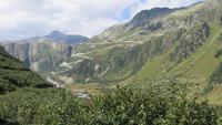 127 Fahrt mit der Furka-Dampfbahn - Blick zur Grimselstraße