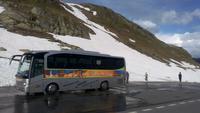 Fahrt mit den Bus von Tirano nach Davos, unser Bus am Flüelapass