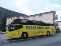 Unser Bus holt uns zum Ausflug ab
