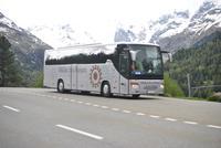 Glacier-Bernina-Reise, Fahrt über den Bernina-Pass - Fotostopp am Monteratsch-Gletscher - unsere Gruppe