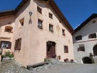 Guarda - typisches Engadiner Haus