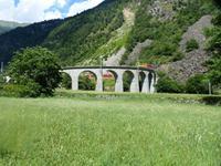 Der Bernina-Express nach St. Moritz