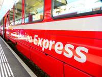 Ab Pontresina fahren wir mit dem Bernina-Express