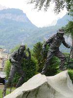 Eiger, Mönch, Jungfrau - Meiringen - Bergführerdenkmal