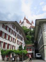 Eiger, Mönch, Jungfrau - Ausflug nach Thun - Blick zum Schloss