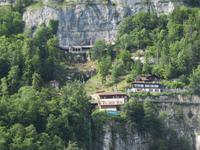 Eiger, Mönch, Jungfrau - Schifffahrt auf dem Thunersee -Eingang Beatushöhlen