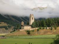 0088 Glacier-Bernina-Express- Fahrt mit dem Bernina-Express - historische Kirche in Celerina
