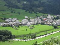 0119 Glacier-Bernina-Express- Fahrt mit dem Bernina-Express - Blick auf Poschavio