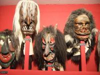 Schaurige Masken im Lötschentalmuseum