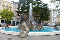 Springbrunnen an der Promenade