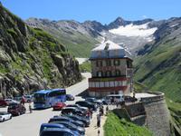 142 Fahrt auf der Furka-Pass- Strasse - Stopp am Hotel Belvedere