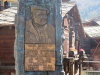 Zermatt - Brunnen für Ulrich Inderbinen
