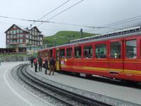 Von Kleine Scheidegg geht es mit der Jungfraubahn weiter