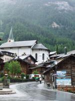 Blick zur Kirche von Leukerbad