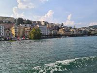 Zurück an der schönen Uferpromenade in Lugano, von Morcote mit dem Schiff kommend.
