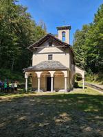 Die kleine Kapelle Madonna della Segna auf dem Monte Comino