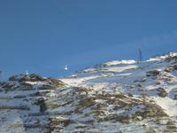 023 Fahrt mit dem Bernina-Express - Blick zur Seilbahn auf den Piz Lagalp
