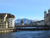 Luzern -Kapellbrücke und Jesuitenkirche