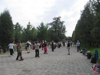 Peking - Himmelstempel - Park - Senioren tanzen und turnen