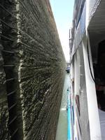 Schleusenvorgang im Panamakanal