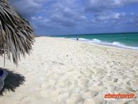 Weisser Sand und tÜrkisblaues Meer in Cayo Santa Maria