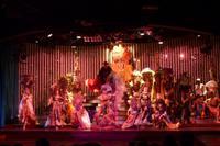 Show im Cabaret Parisien