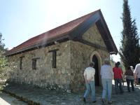 Besuch einer Kirche im Trodos-Gebirge