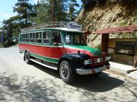 Unterwegs mit dem Oldtimer Bedford-Bus im Troodosgebirge
