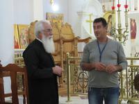 Kirche des Heiligen Arsenios in Kyperounta - Pater Johannes und Jorgos