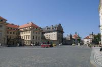 Der Platz vor der Burg wirkt auch heute noch einfach nur majestätisch.