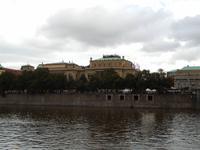 Das Rudolfinum (Haus der Künstler) ist eine bedeutende Mischung aus Kunstgalerie und Konzertgebäude.