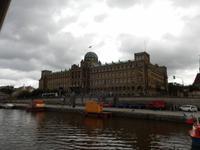 Auch das Ministerium für Industrie und Handel hat sich ein schönes Gebäude am Ufer der Moldau gesichert.