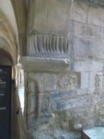 Kratzspuren im Kreuzgang des Merseburger Doms, sogenannte