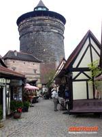 Nürnberg Handwerkerhaus und Turm am Königstor