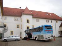 Unser Bus vor dem Hotel