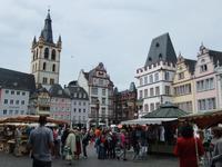 Auf dem Marktplatz in Trier