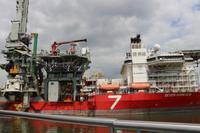 Hafenrundfahrt mit dem Spido-Boot in Rotterdam - Bohrschiff